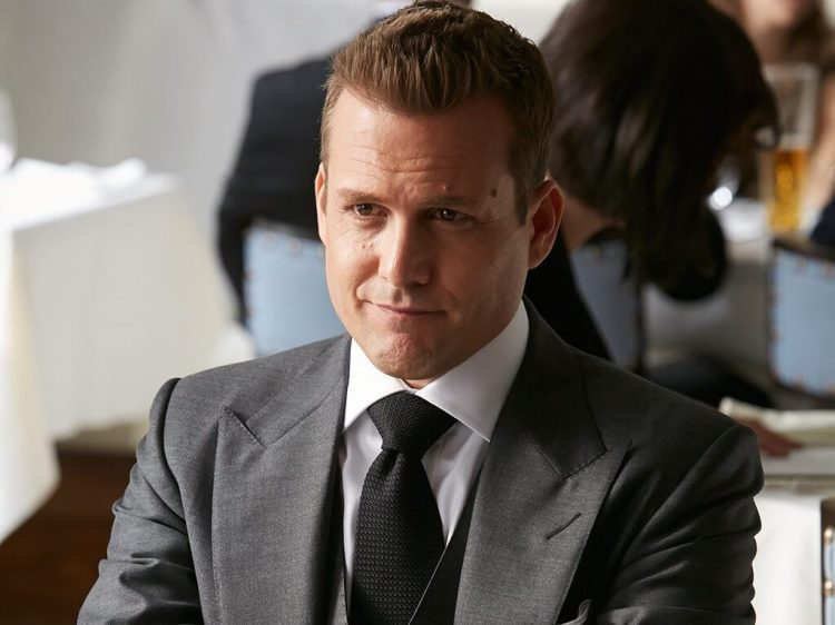 Harvey Specter's neat, messy crew cut.