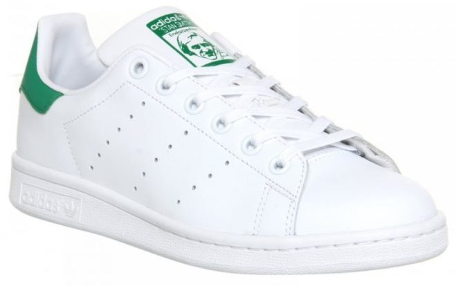 Adidas Stan Smith pointed to the right.