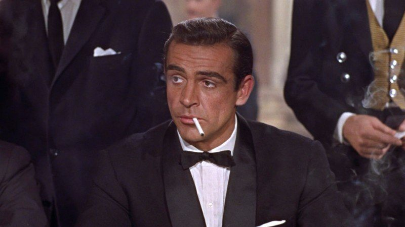 Sean Connery with a spread collar.