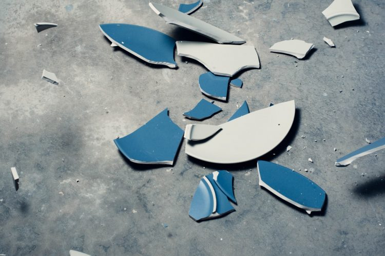 broken plates show you how to build confidence.