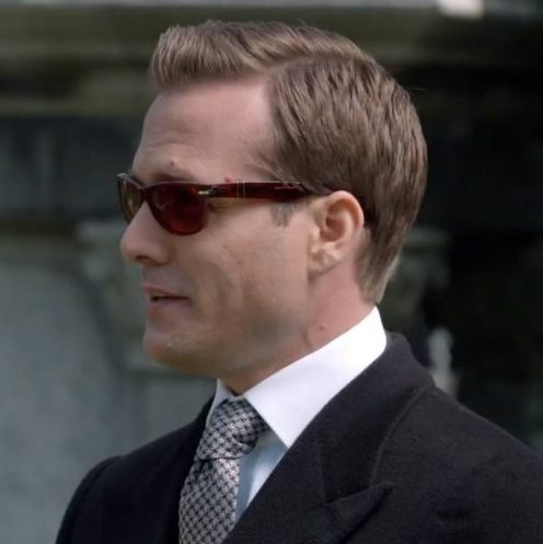 Harvey Specter sunglasses from the side.