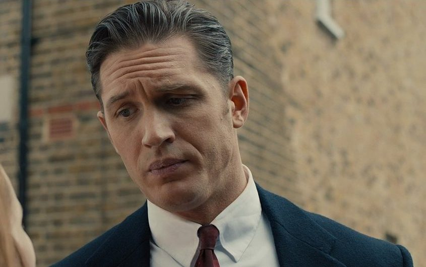 How to dress like the Krays collar type.