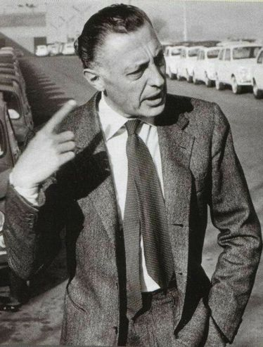 Gianni Agnelli with incorrect tie length