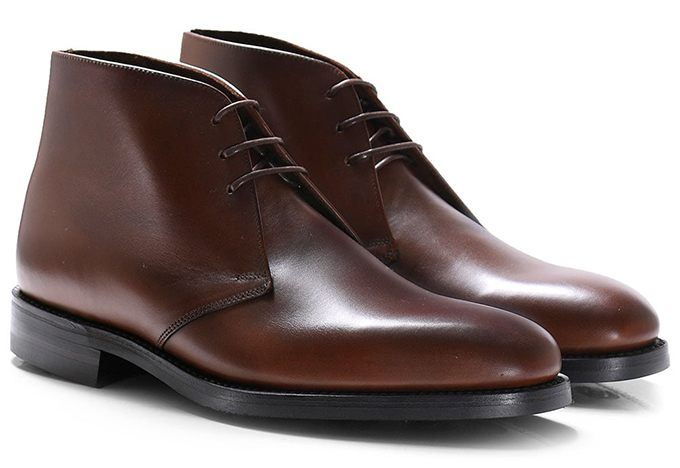 Brown Chukka boots are shoes to wear with chinos