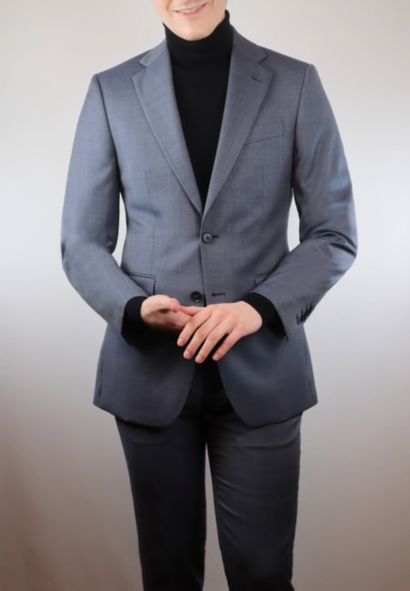 How to wear a turtleneck with a blue suit
